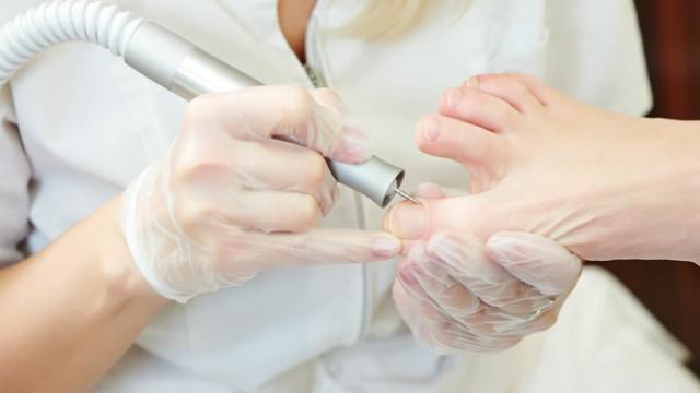 Педикюр для ногтей с грибком